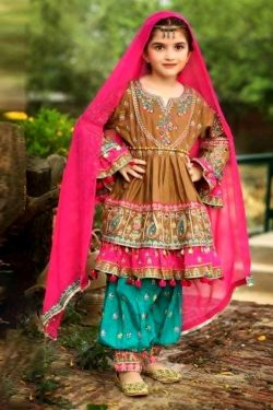 mariab 2 Piece Embroidered with Mirror Work Lawn Suit